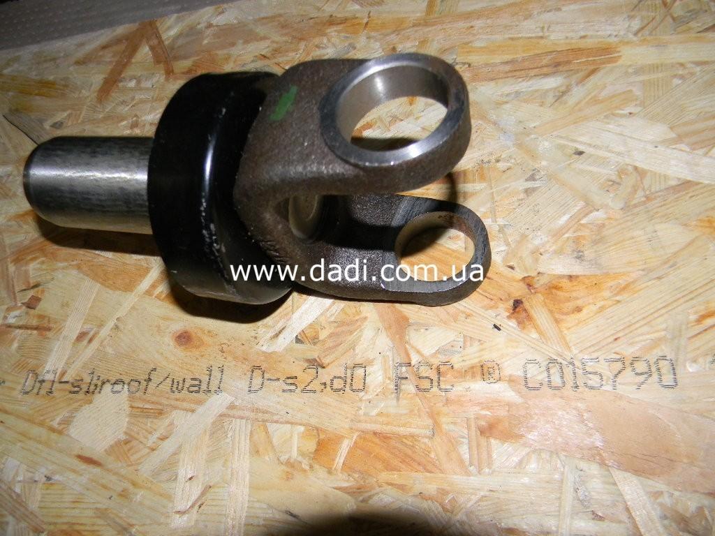 Виделка карданного валу 2WD/ вилка карданного вала 2WD-136