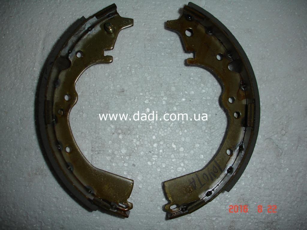 Колодки гальмівні задні (Toyota Hiace) / колодки тормозные задние-0