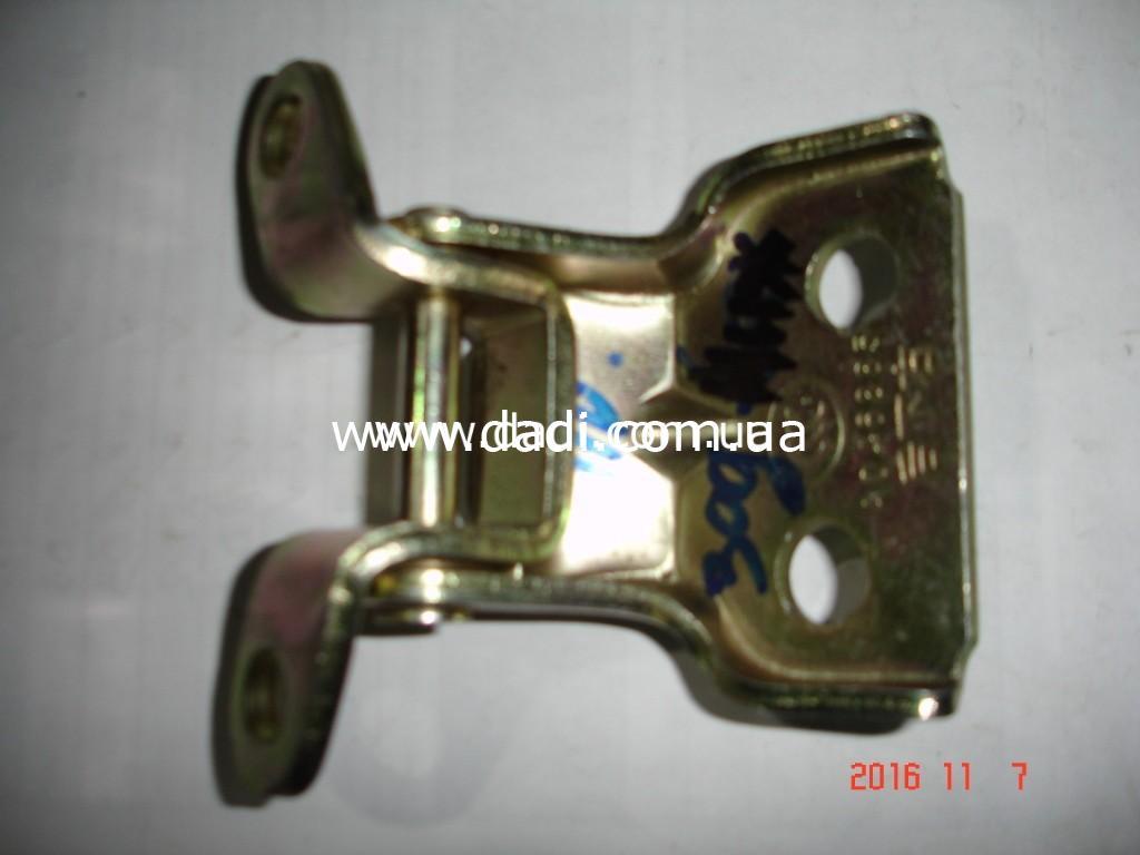 Навіс задніх правих дверей нижній / петля двери DADI-0