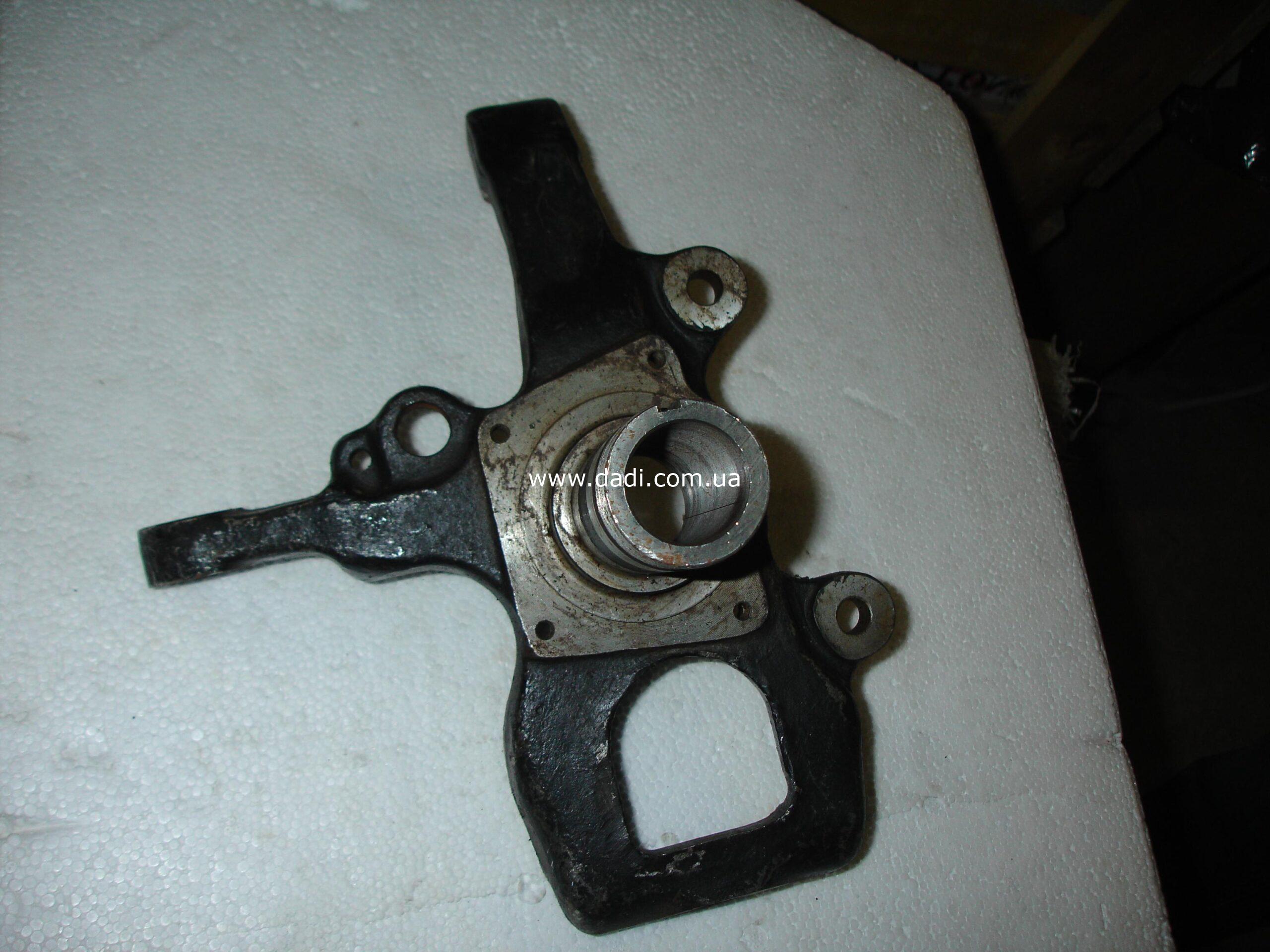 Кулак поворотний лівий (SUV, Pick-Up-4WD)/ цапфа/ поворотный кулак-0