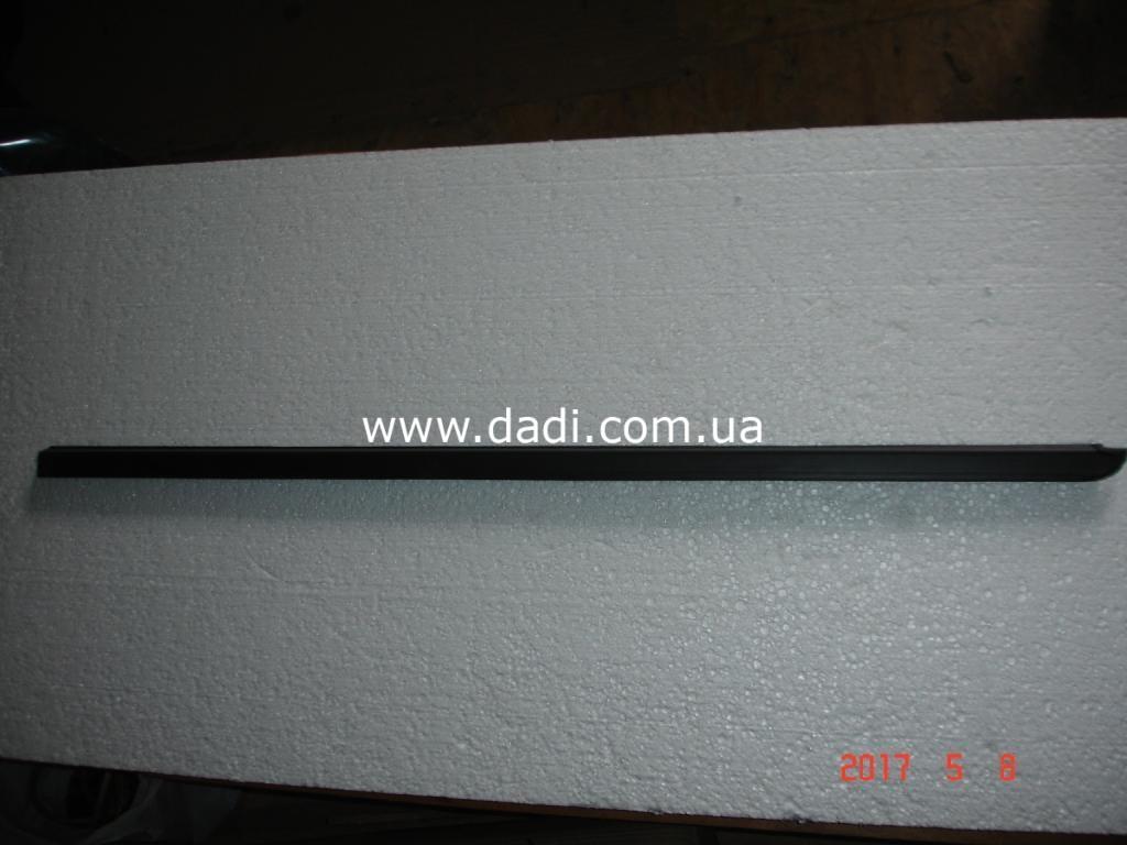 Ущільнювач скла передніх лівих дверей DADI/ уплотнитель стекла передней левой двери-0