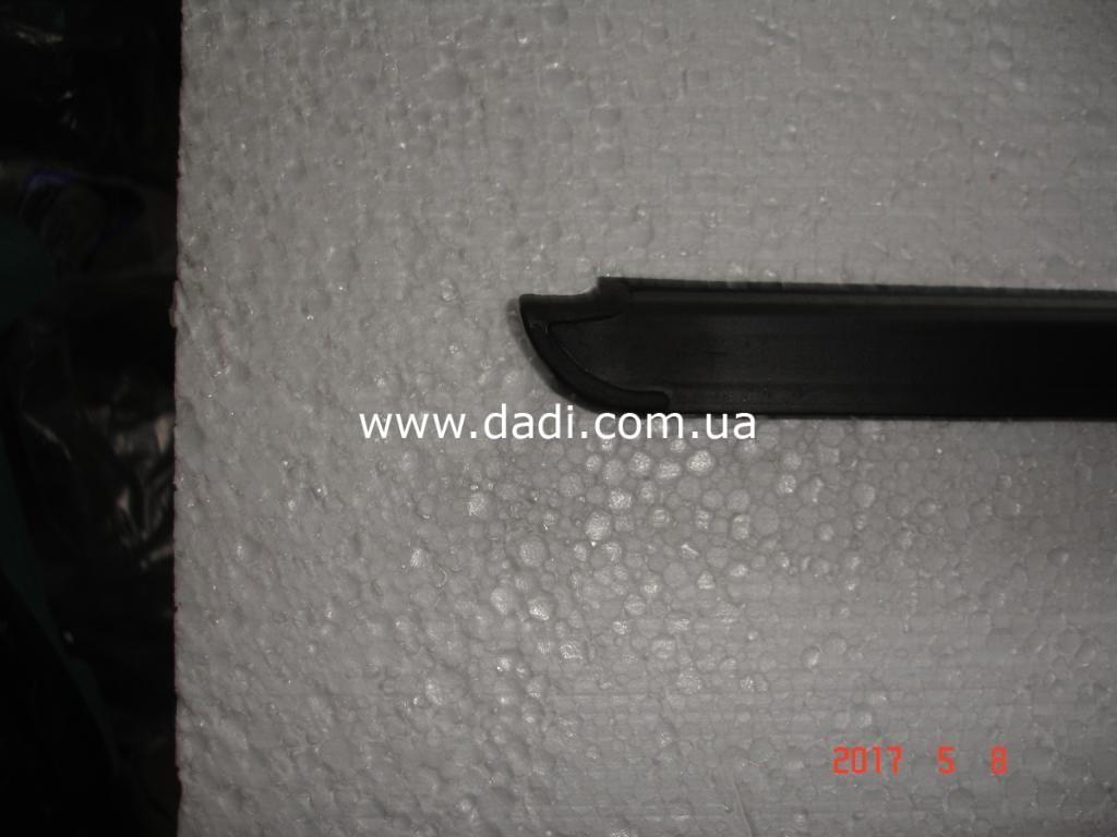 Ущільнювач скла передніх правих дверей DADI/ уплотнитель стекла передней правой двери-1646